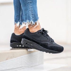 NWT Nike Air Max 1 triple black